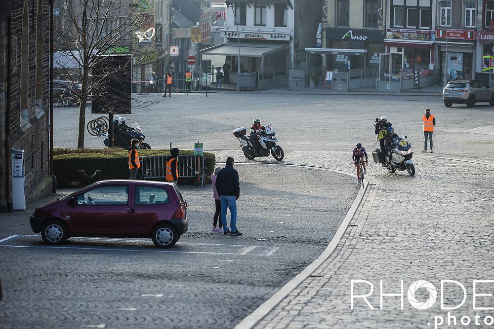 Demi Vollering (NED/SD Worx) solo escape. On her way to the infamous Muur van Geraardsbergen. <br /> <br /> 13th Women's Omloop Het Nieuwsblad 2021 <br /> 1 Day Race: Gent – Ninove 124km<br /> <br /> ©Rhode.Photo