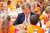 Koning Willem Alexander opent Koningsspelen in Lemmer
