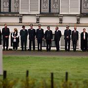 Overbrengen lichaam van overleden prins Bernhard van paleis Soestdijk, paleispersoneel