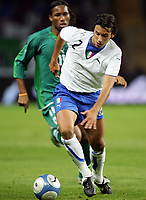 Fotball<br /> Privatlandskamp<br /> 16.11.2005<br /> Italia v Elfenbenskysten <br /> Foto: Graffiti/Digitalsport<br /> NORWAY ONLY<br /> <br /> Cristian Zaccardo Italy Didier Drogba Cote d'Ivoire