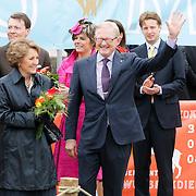 NLD/Makkum/20080430 - Koninginnedag 2008 Makkum, prinses Margriet en partner Pieter van Vollenhoven
