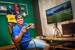 Retrato do ex-jogador de futebol Wendell Lira, 27, em seu estúdio, em Porto Alegre. Vencedor do Prêmio FIFA Ferenc Puskás 2015, que elege o autor do gol mais bonito do ano, Wendell desbancou craques como Lionel Messi (Barcelona) e Alessandro Florenzi (Roma) com o gol pelo Goianésia sobre o Atlético-GO e em 2016 abandonou os gramados para  se dedicar ao seu canal de vídeos no YouTube para unir suas duas paixões - futebol e videogame - e se tornar jogador profissional do game FIFA, da EA Sports. Ao receber o prêmio em Zurique, na Suíça, o jogador aceitou o desafio de Abdulaziz Alshehri, o campeão da FIFA Interactive World Cup na época, e o venceu em uma goleada por 6 a 1. O canal de vídeo WLPSKS - Wendell Lira é uma parceira do gamer com a MPQuatro - a primeira produtora do Brasil a se especializar em estratégias para o YouTube. FOTO: Gustavo Roth / Agência Preview