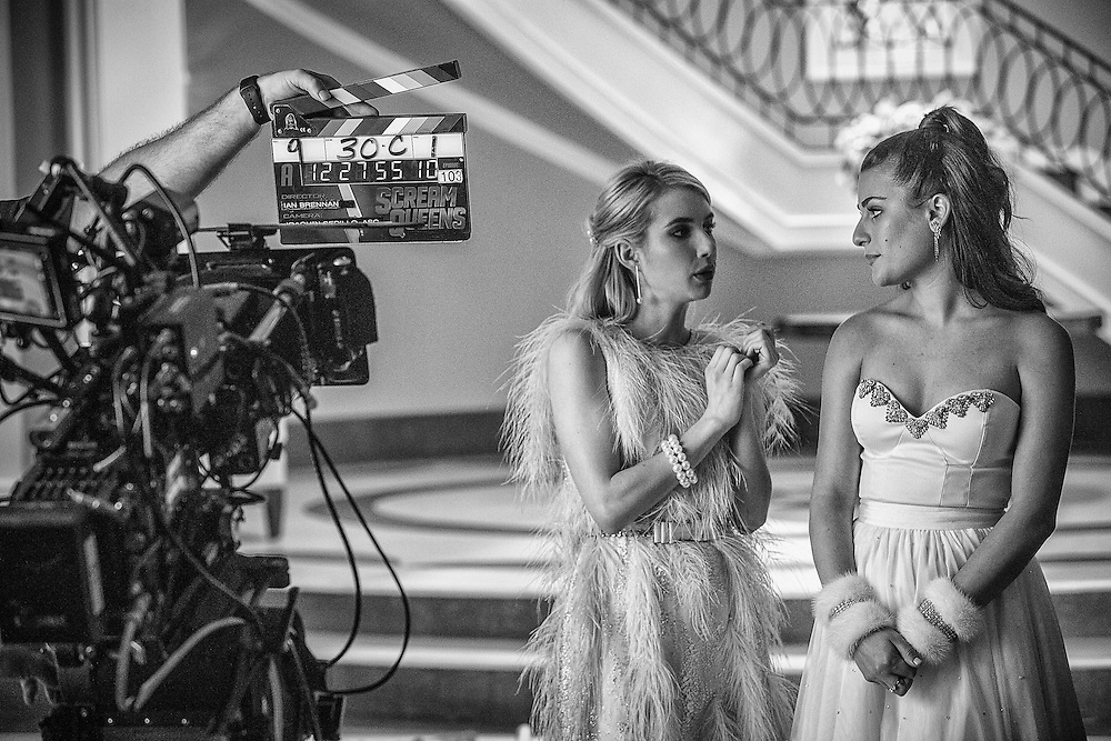 (L-R) Emma Roberts as Chanel Oberlin and Lea Michele as Hester in Scream Queens, Season 1.