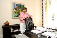 11 MAY 2006, BERLIN/GERMANY:<br /> Eva Luise Koehler, Gattin des Bundespraesidenten, an ihrem Schreibtisch, in ihrem Buero, Schloss Bellevue<br /> IMAGE: 20060511-02-055<br /> KEYWORDS: Eva Luise Köhler, Büro, Unterlagen, Akten