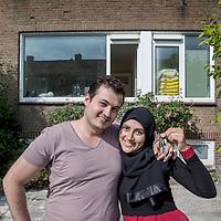 Nederland, Zwanenburg, 8 juni 2017.<br /> <br /> Umit Celik en zijn vrouw Cigdem. Zij zochten in Amsterdam maar hebben inmiddels een huis gevonden in Zwanenburg: Friedalaan 89 in Zwanenburg<br /><br /><br />Foto: Jean-Pierre Jans