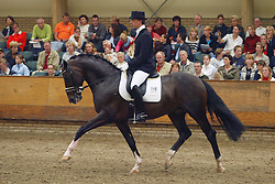 740-Stefano<br /> KWPN Paardendagen Ermelo 2004<br /> Photo © Hippo Foto