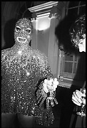 LEIGH BOWERY,  Italian art. Royal Academy. 12 January 1989. SUPPLIED FOR ONE-TIME USE ONLY> DO NOT ARCHIVE. © Copyright Photograph by Dafydd Jones 248 Clapham Rd.  London SW90PZ Tel 020 7820 0771 www.dafjones.com