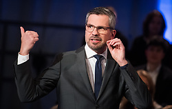 12.05.2019, Puls4 Studio, Wien, AUT, Puls4, Elefantenrunde zur Europawahl 2019, im Bild Puls4 Moderator Thomas Mohr // during political discussion due to elections of the european parliament 2019 in Vienna, Austria on 2019/05/12, EXPA Pictures © 2019, PhotoCredit: EXPA/ Michael Gruber
