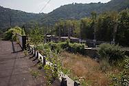 Lecco, Comune di Olginate: Consonno da borgo a città dei balocchi in abbandono