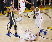 Golden State Warriors guard Stephen Curry (30) passes the ball against the LA Clippers at Oracle Arena in Oakland, California, on February 22, 2018. (Stan Olszewski/Special to S.F. Examiner)