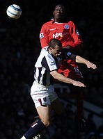 Fotball<br /> Premier League 2004/05<br /> West Bromwich v Birmingham<br /> 6. mars 2005<br /> Foto: Digitalsport<br /> NORWAY ONLY<br /> West Brom's Thomas Gaardsoe (L) battles for the ball with Emile Heskey