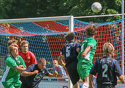 FODBOLD: MÂlmand Jesper Andresen (NKF) f¯lger spillet opmÊrksomt under kampen i KvalifikationsrÊkken, pulje 1, mellem Elite 3000 Helsing¯r og NivÂ-Kokkedal FK den 6. august 2006 pHelsing¯r Stadion. Foto: Claus Birch