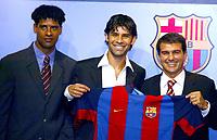 Fotball<br /> Spania 2003/2004<br /> Barcelona<br /> Rafael Marquez - Frank Rijkaard - Joan Laporta<br /> Foto: Digitalsport<br /> Norway Only