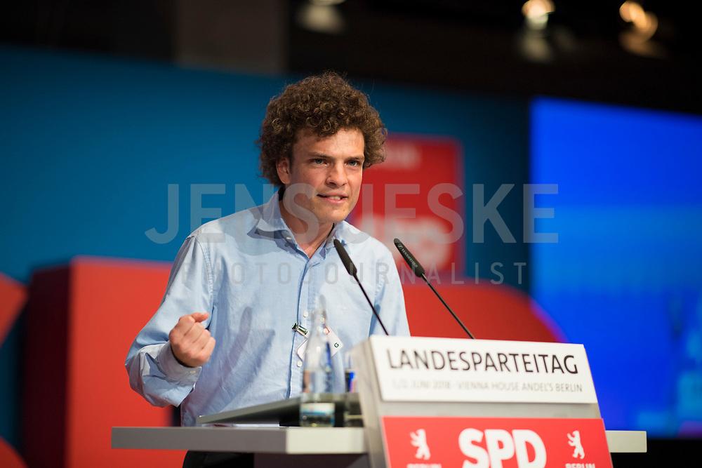 DEU, Deutschland, Germany, Berlin, 01.06.2018: Arturo Bjorklund Winters, Kandidat der Berliner SPD zur Europawahl, Landesparteitag der Berliner SPD im Hotel Andels.