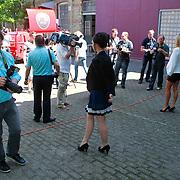 NLD/Leeuwarden/20110627 - Perspresentatie Moordvrouw, Wendy van Dijk voor de verzamelde pers