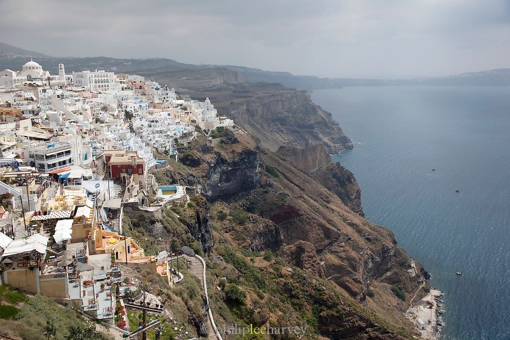 The village of Oia built on the top of the cliffs, Santorini, Greece