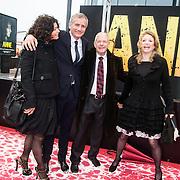 NLD/Amsterdam/20140508 - Wereldpremiere Musical Anne, Frits Baren en dochter Kim met hun neefje en partner ......
