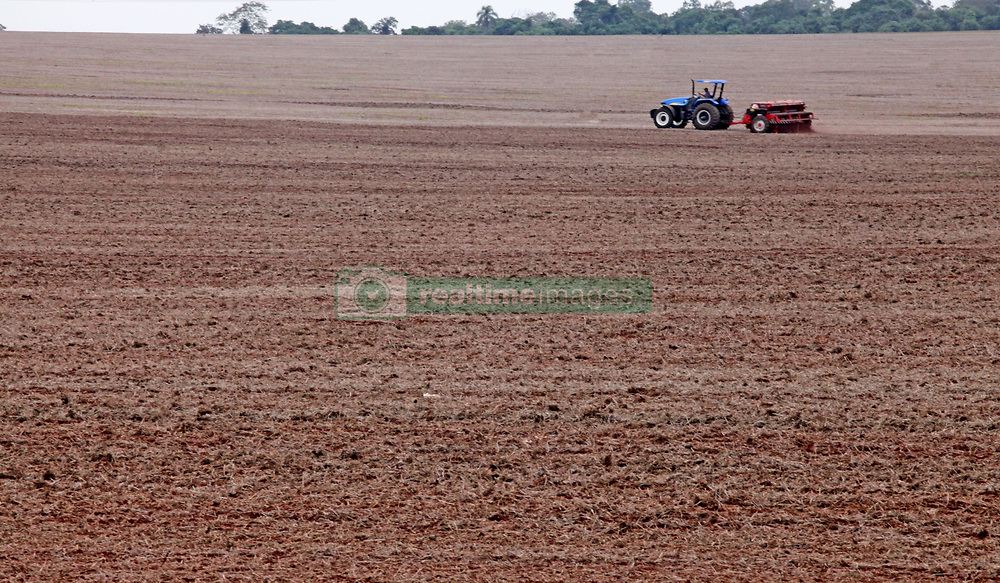 May 1, 2019 - Campo MourãO, Brazil - CAMPO MOURÃO, PR - 01.05.2019: AGRICULTORES INICIAM PLANTIO DE TRIGO PR - Rural farmers in Campo Mourão, in the Center-West Region of Paraná, started planting wheat, encouraged by the prices practiced in the agricultural market. In the photo, planting of wheat in rural property in Campo Mourão. (Credit Image: © Dirceu Portugal/Fotoarena via ZUMA Press)