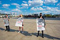DEU, Deutschland, Germany, Berlin, 02.06.2021: Kundgebung von Prostitutionsgegnern auf dem Washingtonplatz anlässlich des Internationalen Hurentags - Bekanntmachung der Gründung des Aktionskreises Berlin Pro Nordisches Modell.