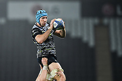 Ospreys' Justin Tipuric claims the lineout<br /> <br /> Photographer Craig Thomas/Replay Images<br /> <br /> EPCR Champions Cup Round 4 - Ospreys v Northampton Saints - Sunday 17th December 2017 - Parc y Scarlets - Llanelli<br /> <br /> World Copyright © 2017 Replay Images. All rights reserved. info@replayimages.co.uk - www.replayimages.co.uk