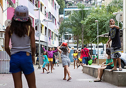 02.08.2016, Favela Rocinha, Rio de Janeiro, BRA, Rio 2016, Olympische Sommerspiele, Vorberichte, im Bild Kinder // kids play in the Favela during preparation for the Rio 2016 Olympic Summer Games at the Favela Rocinha in Rio de Janeiro, Brazil on 2016/08/02. EXPA Pictures © 2016, PhotoCredit: EXPA/ Johann Groder