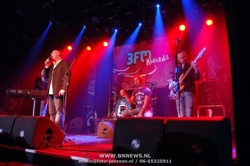 NLD/Amsterdam/20060312 - Uitreiking 3FM awards 2006, Optreden BLOF,