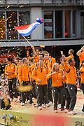 Nederlandse Olympische ploeg komt thuis en wordt gehuldigd op het plein voor Station Den Bosch.<br /> <br /> Op de foto: Nederlandse sporters