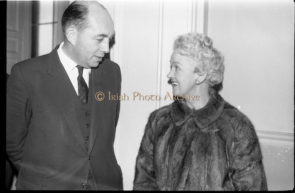06/02/1964<br /> 02/06/1964<br /> 06 February 1964<br /> Newly constituted Bord Altranais (Irish Nursing Board) at no.11 Fitzwilliam Place, Dublin. Picture shows the President of the Bord, Dr. William O'Dwyer, Dublin chatting with Miss B. Phelan, Matron, Ardkeen Hospital, Waterford prior to the event.