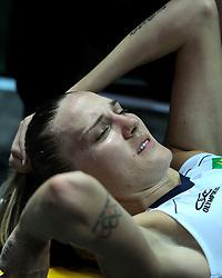 26-08-2010 VOLLEYBAL: WGP FINAL POLAND - BRAZIL: BEILUN NINGBO<br /> Brazil beat Poland 3-1 / Marianne Steinbrecher injured<br /> ©2010-WWW.FOTOHOOGENDOORN.NL
