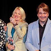 NLD/Hilversum/20121003- Boekpresentatie De Iconen van het NOS Achtuurjournaal, Noortje van Oostveen, Babs Assink, Rob van Schijndel