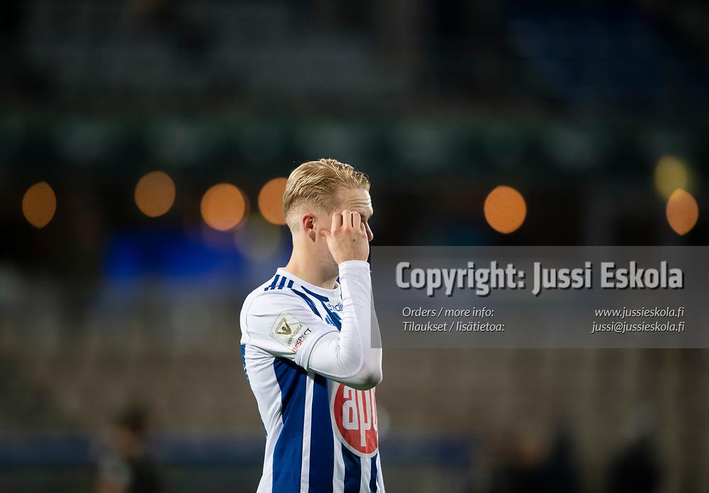 Matti Peltola ottelun päätyttyä. HJK - SJK. Veikkausliiga. Helsinki 3.10.2021. Photo: Jussi Eskola