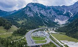THEMENBILD - Verkehr auf der A10 Tauernautobahn beimm Tauerntunnel, aufgenommen am 27. Juli 2019 in Flachau, Österreich // Traffic on the A10 Tauernautobahn at the Tauerntunnel, Flachau, Austria on 2019/07/27. EXPA Pictures © 2019, PhotoCredit: EXPA/ JFK