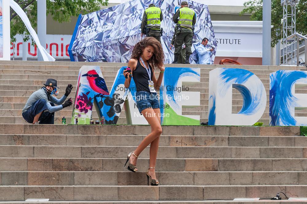 Colombie, Antioquia, Medellin, enceinte salon de la mode Colombiamoda, centre-ville // Colombia, Antioquia, Medellin, on Colombiamoda fashion days area in downtown