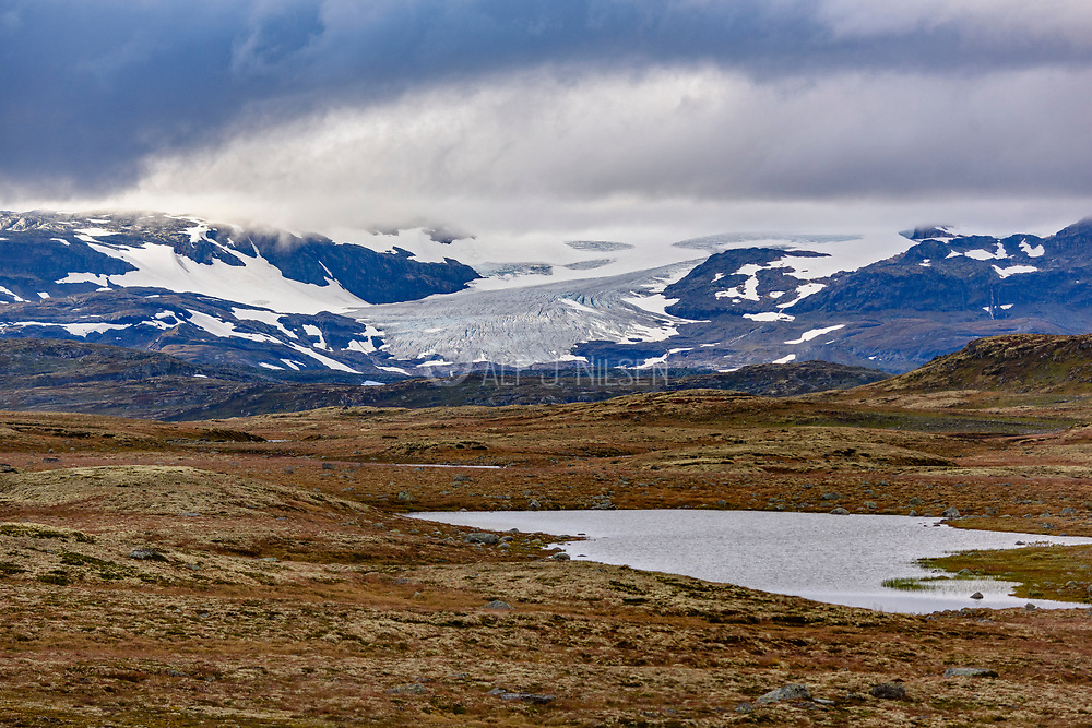 View towards the southern sid eof the glacier Hardangerjökulen in Eidfjord (Vestland, Norway) in September