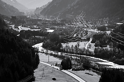 THEMENBILD - Übersicht in einer Schwarzweißfotografie auf das Iseltal bei Huben. Aufgenommen in Oberpeischlach am Samstag 7. November 2020 // Overview in a black and white photograph of the Iseltal near Huben. Osttirol, Austria on Saturday November 7th, 2020. EXPA Pictures © 2020, PhotoCredit: EXPA/ Johann Groder
