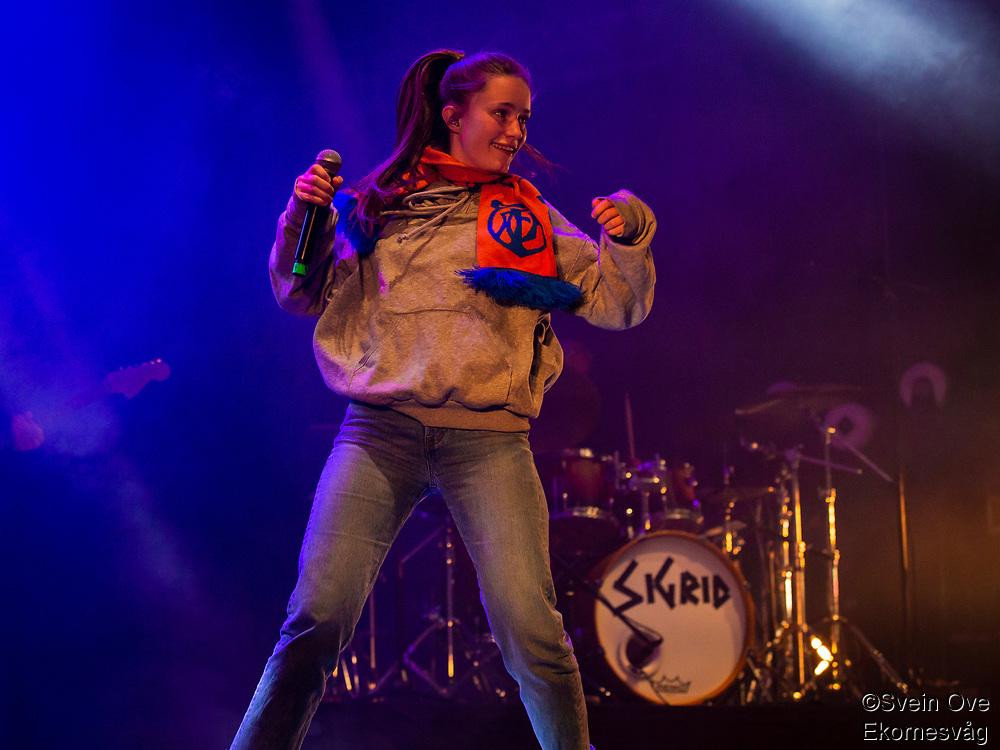 Sigrid under Jugendfest 2018 på Color Line Stadion i Ålesund.