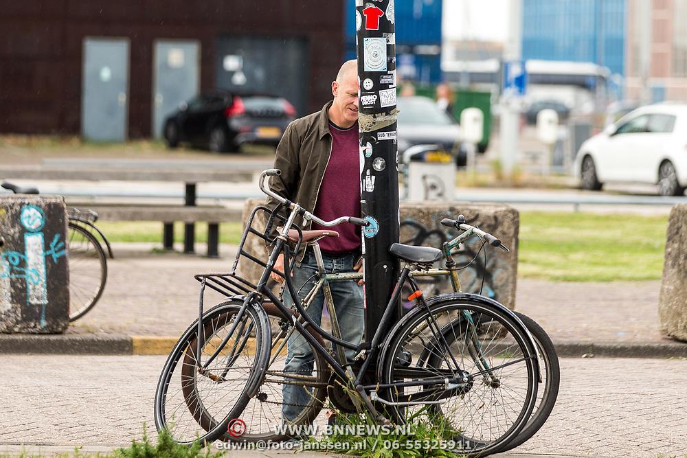 NLD/Amsterdam/20170627 - Presentatie O What a Night - Dons, Maxim Hartman