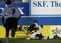 Photo: Marc Atkins.<br /><br />Luton Town v Leeds United. Coca Cola Championship. 21/10/2006. Luton celebrate scoring their 4th goal.