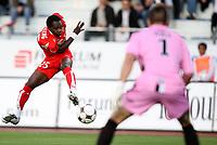 Fotball<br /> Frankrike<br /> Foto: Dppi/Digitalsport<br /> NORWAY ONLY<br /> <br /> FOOTBALL - FRENCH CHAMPIONSHIP 2008/2009 - L2 - DIJON FOOTBALL v FC TOURS - 22/08/2008 - CHARLES BOATENG (DIJO) / PETER JEHLE (TOU)