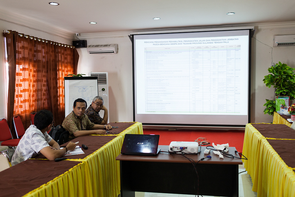 November 30, 2018. ADB staff, Pak Said Zaidansyah, Deputy Country Director and Pak Sutarum Wiryono, Senior Project Officer during a meeting. (ADB Photo, Andri Tambunan)