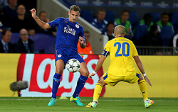 Marc Albrighton of Leicester City takes on Andre Andre of FC Porto  - Mandatory by-line: Matt McNulty/JMP - 27/09/2016 - FOOTBALL - King Power Stadium - Leicester, England - Leicester City v FC Porto - UEFA Champions League