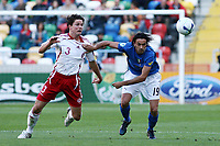 Fotball<br /> EM U21<br /> 24.05.2006<br /> Italia v Danmark<br /> Foto: Imago/Digitalsport<br /> NORWAY ONLY<br /> <br /> Raffaele Palladino (Italien U21, re.) gegen Leon Andreasen (Dänemark U21)