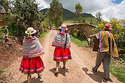 Quechua woman, traditional dress, Misminay village, Sacred Valley, Cusco Region, Urubamba Province, Machupicchu District, Peru