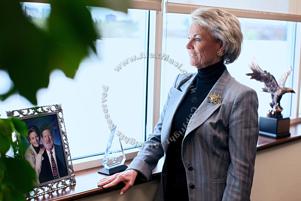 """Patricia """"Pat"""" Mulroy, 60, the General Manager of Souther Nevada Water Authority, (SNWA) is looking outside while standing in her office in Las Vegas, Nevada, USA."""