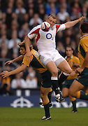 2005 Rugby, Investec Challenge, England vs Australia, Mike Tindall, shoulders Drew Mitchell,as the go for the high ball. RFU Twickenham, ENGLAND:     12.11.2005   © Peter Spurrier/Intersport Images - email images@intersport-images..