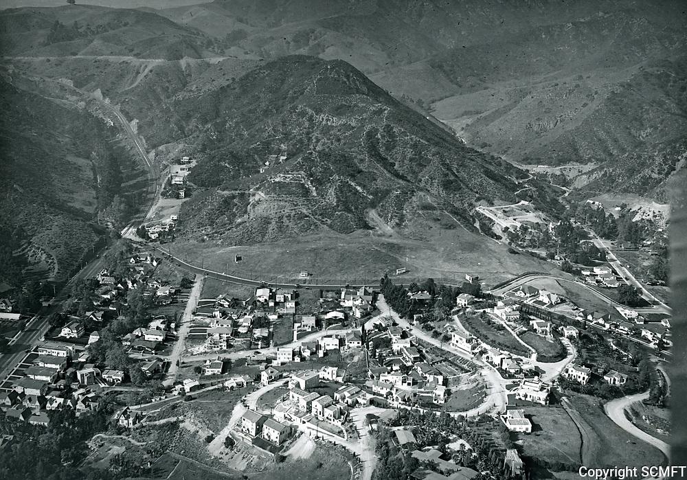 1923 Looking north at Cahuenga Pass (at left)