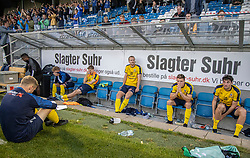 Nedslåede Hobro-spillere efter kampen i 3F Superligaen mellem Lyngby Boldklub og Hobro IK den 20. juli 2020 på Lyngby Stadion (Foto: Claus Birch).