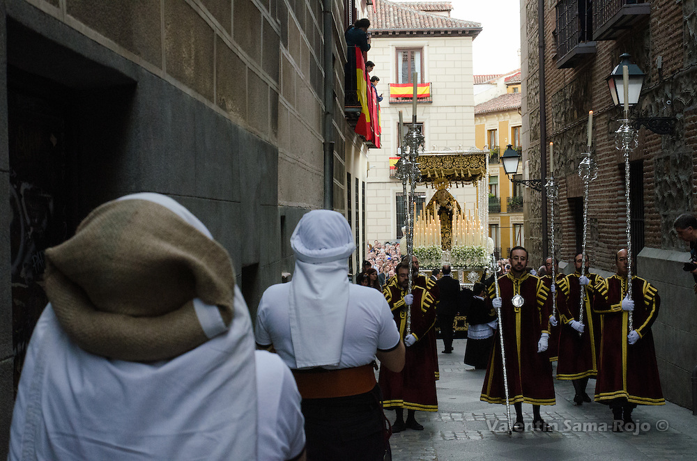 'Costaleros' of the brotherhood 'Los Estudiantes' waiting the virgin's float at Cordon Street in Madrid.