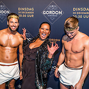 NLD/Amsterdam/20161213 - Inloop gasten The Roast of Gordon, Ingrid Simons