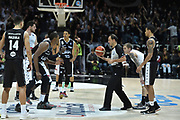 DESCRIZIONE : Bologna Lega A 2015-16 Obiettivo Lavoro Virtus Bologna Pasta Reggia Juve Caserta<br /> GIOCATORE : Dexter Pittman<br /> CATEGORIA : Arbitro Referee Before Pregame Contesa<br /> SQUADRA :Obiettivo Lavoro Virtus Bologna Pasta Reggia Juve Caserta<br /> EVENTO : Lega A 2015-16 Obiettivo Lavoro Virtus Bologna Pasta Reggia Juve Caserta<br /> GARA : Obiettivo Lavoro Virtus Bologna Pasta Reggia Juve Caserta<br /> DATA : 01/11/2015<br /> SPORT : Pallacanestro<br /> AUTORE : Agenzia Ciamillo-Castoria/GiulioCiamillo<br /> Galleria : Lega Basket A 2015-2016<br /> Fotonotizia : Lega A 2015-16 Obiettivo Lavoro Virtus Bologna Pasta Reggia Juve Caserta<br /> Predefinita :